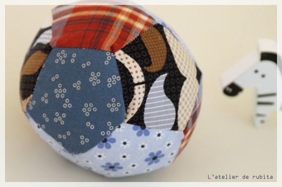L'atelier de rubita // Ballon en chutes de tissus
